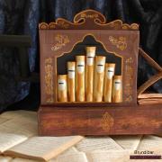 L'orgue de barbarie pour l'opéra intitulé Brundibar