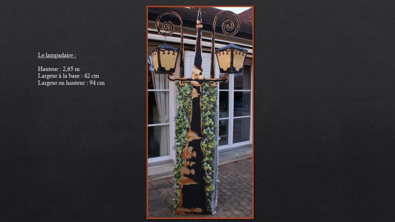 Le lampadaire pour l'opéra intitulé Brundibar